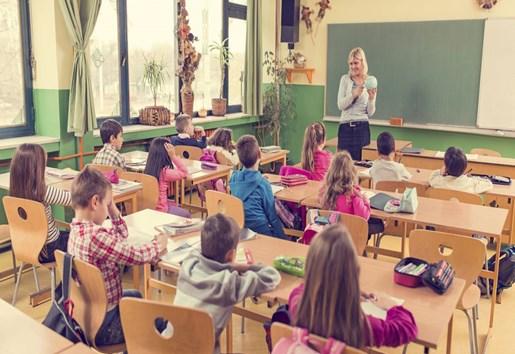教育部:中小学教师绩效工资不搞平均主义-贝宝娃人工智能幼儿园晨检机器人