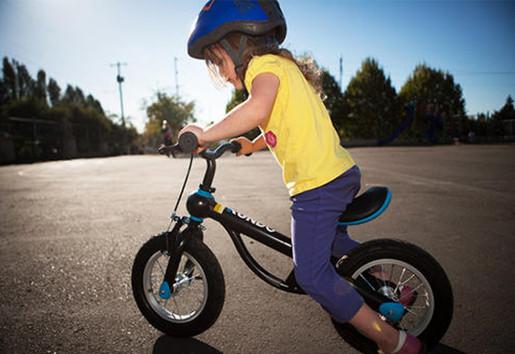 当心!儿童平衡滑步车仅三成达标-贝宝娃人工智能幼儿园晨检机器人