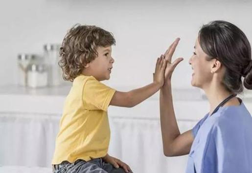 锻炼孩子内心力量的13条核心法则 让你的孩子更自信、更坚韧、更幸福-贝宝娃人工智能幼儿园晨检机器人